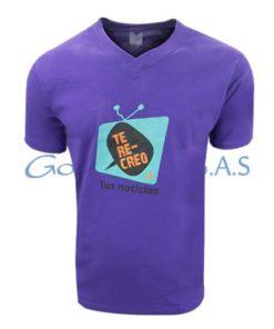 Camiseta morada estampada