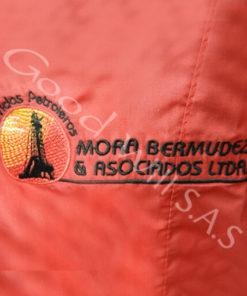 Logo bordado para uniforme de trabajo